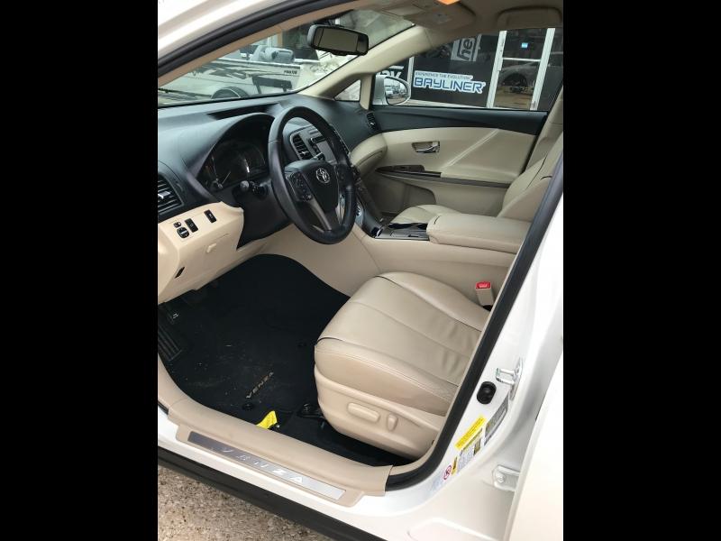 Toyota Venza 2013 price $10,360
