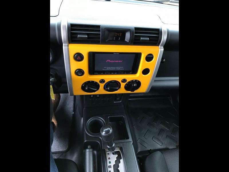 Toyota FJ Cruiser 2010 price $11,590