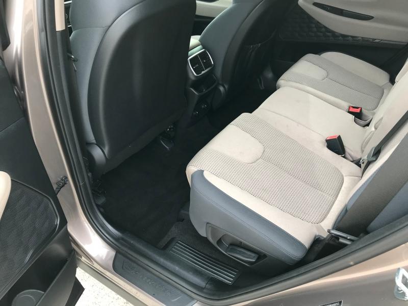 Hyundai Santa Fe 2019 price $18,873