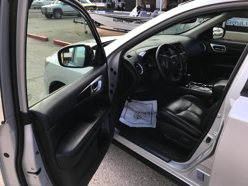 Nissan Pathfinder 2014 price 2500.00 DOWN