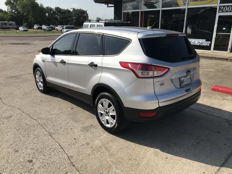 Ford Escape 2015 price 2000.00 DOWN