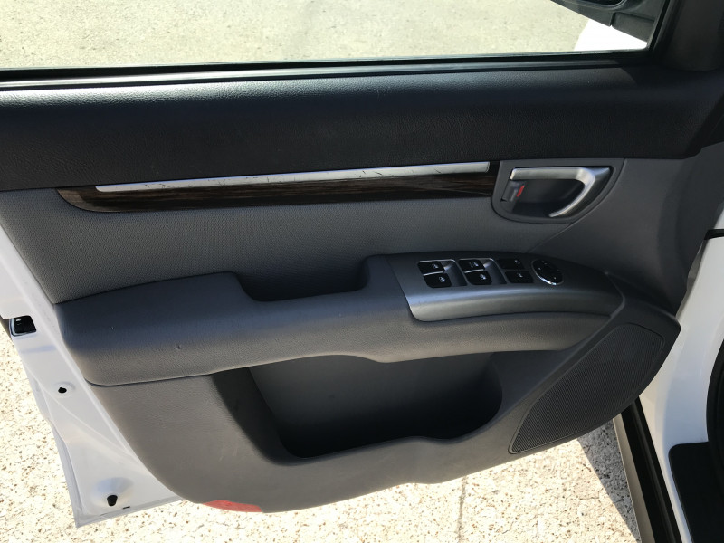 Hyundai Santa Fe 2012 price 2000.00 DOWN