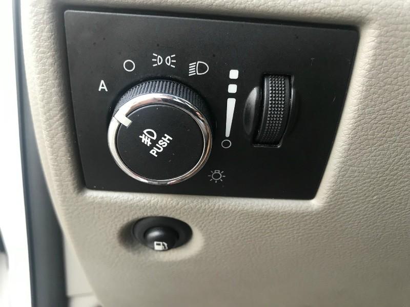 Jeep Grand Cherokee 2012 price $7,300