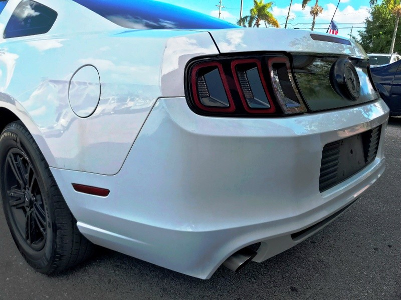 Ford Mustang 2013 price $8,600