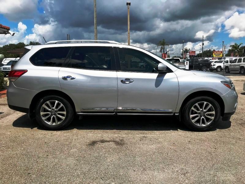 Nissan Pathfinder 2014 price $9,999