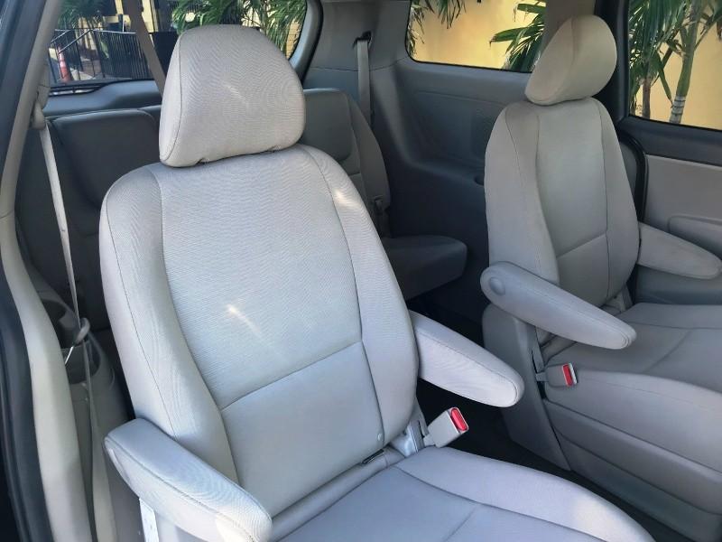 Kia Sedona 2015 price $9,600