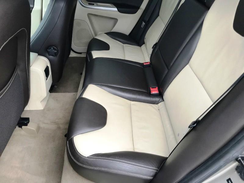 Volvo XC60 2011 price $5,800