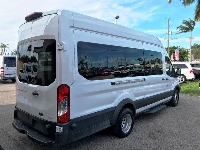 Ford Transit Passenger Wagon 2018 price $29,800