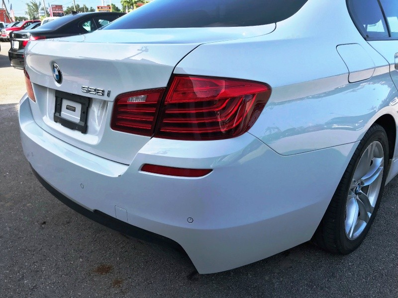 BMW 5-Series 2015 price $13,300