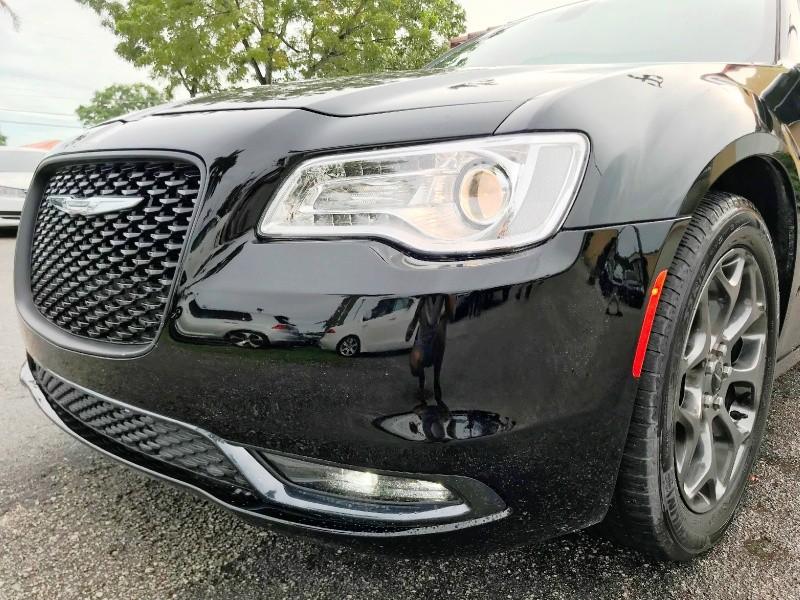Chrysler 300 2016 price $18,300