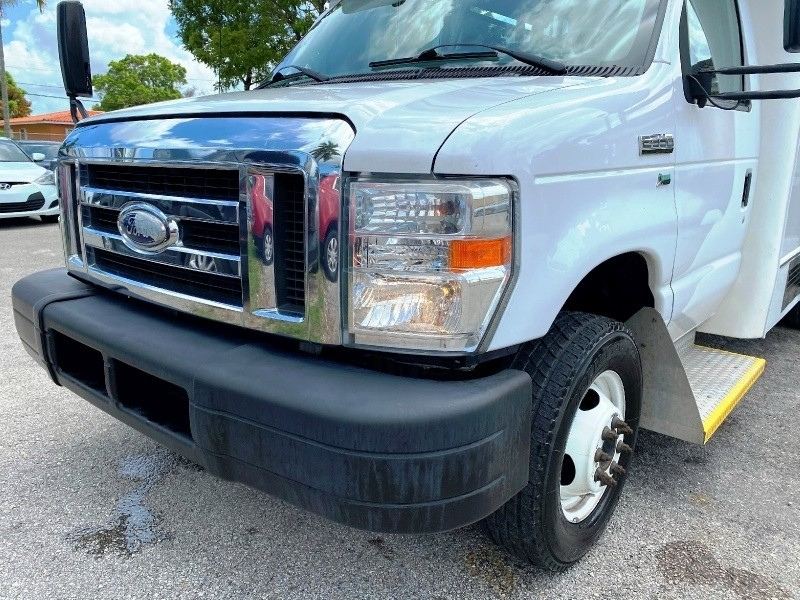 Ford Econoline Commercial Cutaway 2015 price $10,999