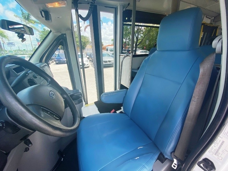 Ford Econoline Commercial Cutaway 2015 price $11,999