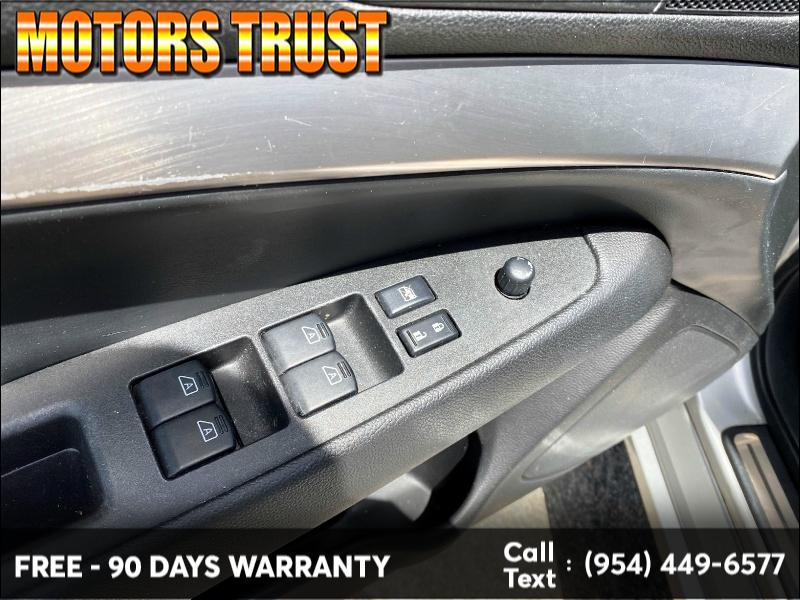 Infiniti G25 Sedan 2012 price $7,399
