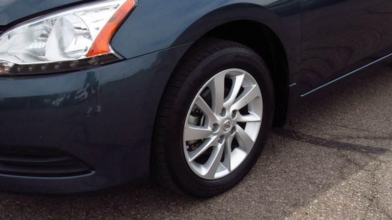 Nissan Sentra 2015 price $6,990