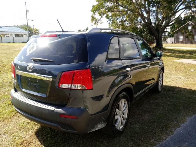 KIA SORENTO 2011 price $5,600