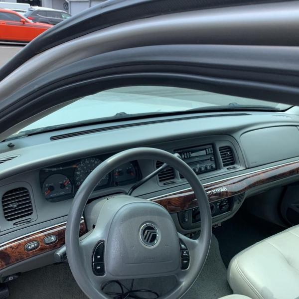 MERCURY GRAND MARQUIS 2005 price $2,900