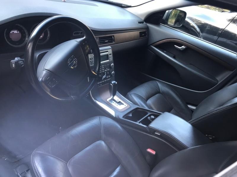 VOLVO XC70 2011 price $6,788