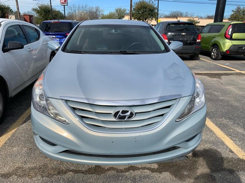 Silver Hyundai Sonata >> 2011 Silver Hyundai Sonata Sedan 4 Dr Magic Auto Sales Auto
