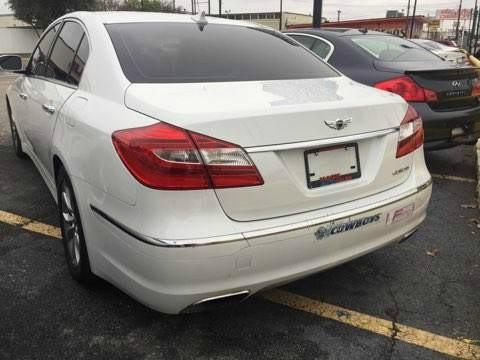 Hyundai Genesis 2013 price $13,800