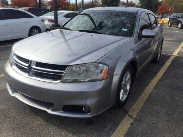 Dodge Avenger 2013 price $4,400