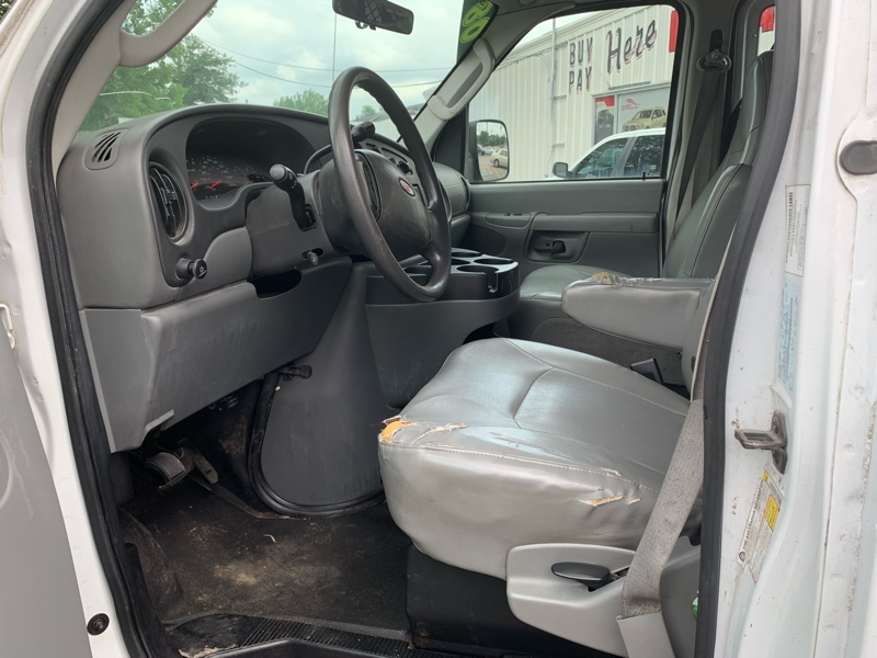 Ford Econoline Cargo Van 2008 price $3,500 Cash