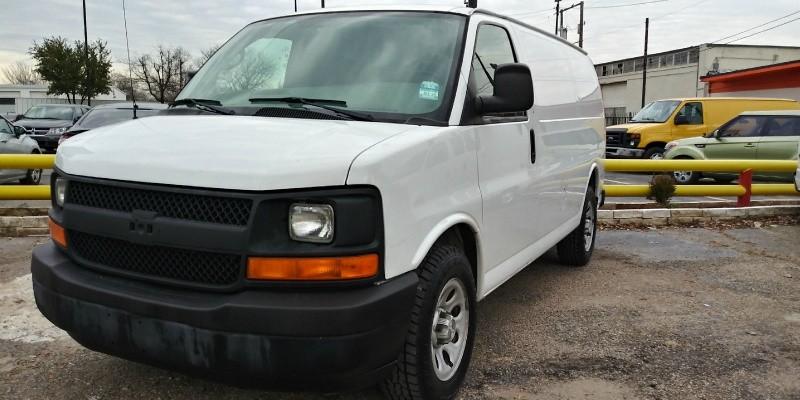 Chevrolet Express Cargo Van 2009 price $12,100