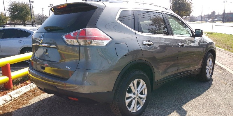 Nissan Rogue 2015 price $15,900 Down