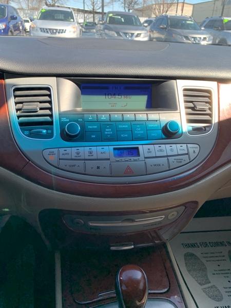 Hyundai Genesis 2013 price $4,000 Cash