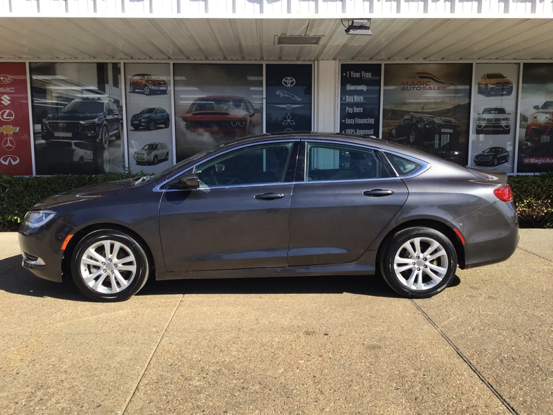 Chrysler 200 2016 price $13,690