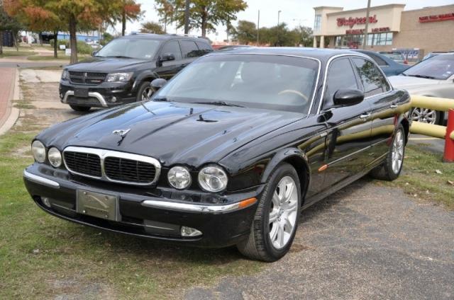 2004 Jaguar XJ8 ;