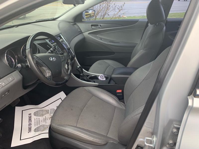 Hyundai Sonata 2011 price $5,555 Cash