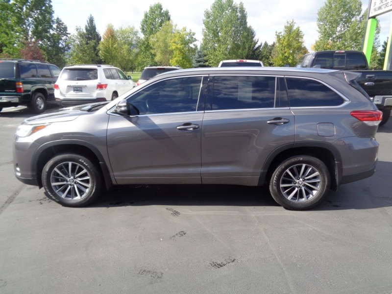 TOYOTA HIGHLANDER 2018 price Call for price