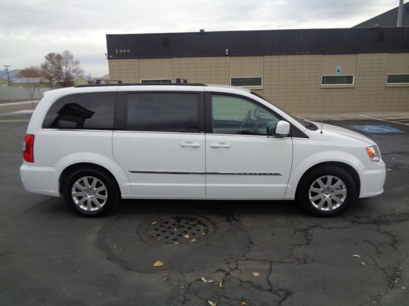 CHRYSLER TOWN & COUNTRY 2014 price Call for price
