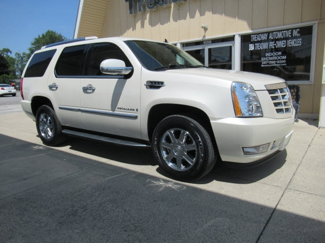 Cadillac Escalade 2008 price $14,990