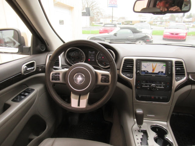 Jeep Grand Cherokee 2012 price $17,900