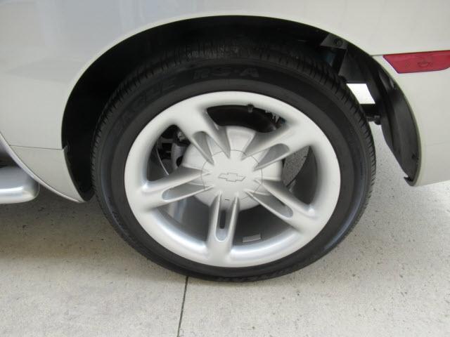 Chevrolet SSR 2004 price $29,900