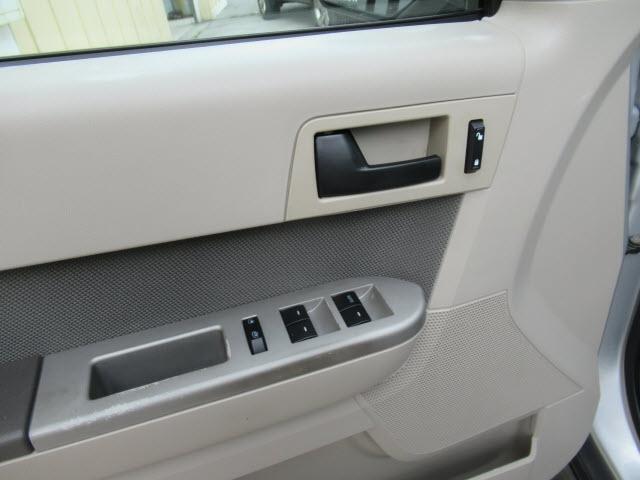 Ford Escape 2009 price $7,995