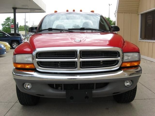 Dodge Dakota 2004 price $8,995