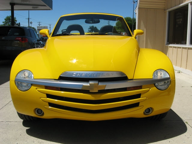 Chevrolet SSR 2004 price $26,900