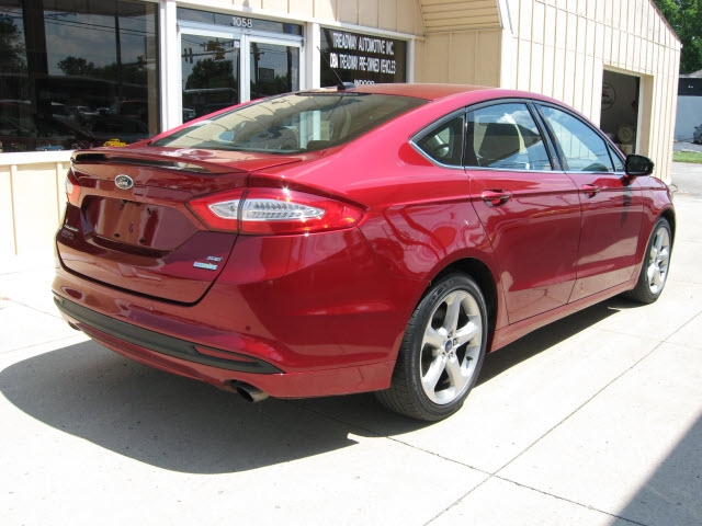 Ford Fusion 2016 price $15,900