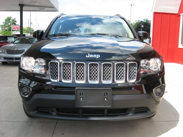 Jeep Compass 2017 price $17,500
