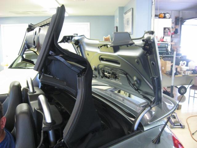 Chrysler Crossfire 2005 price $22,900
