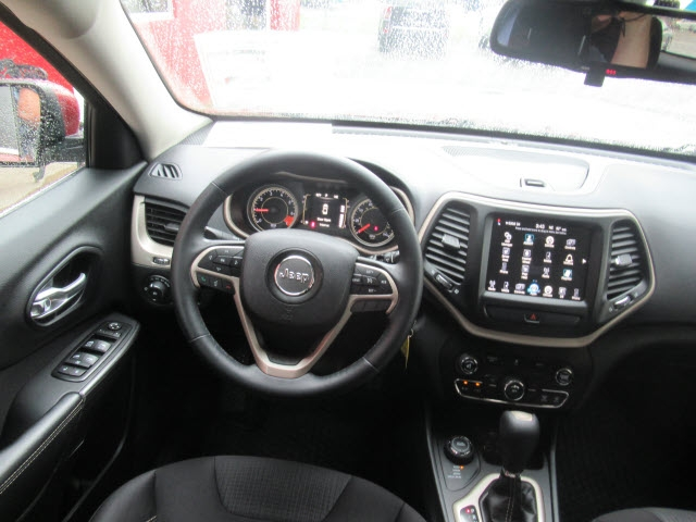 Jeep Cherokee 2015 price $14,700