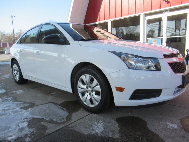 Chevrolet Cruze 2014 price $10,900