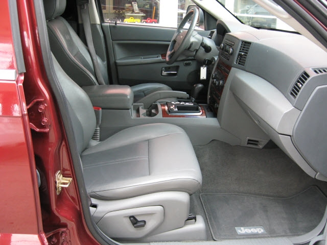 Jeep Grand Cherokee 2007 price $9,995