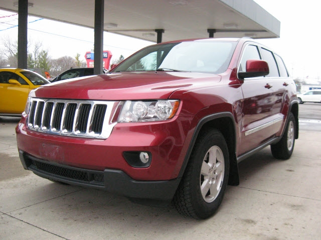 Jeep Grand Cherokee 2013 price $8,995