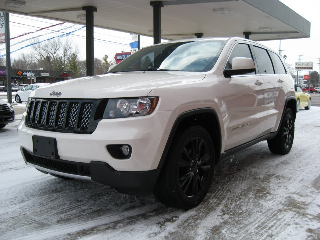 Jeep Grand Cherokee 2012 price $15,900