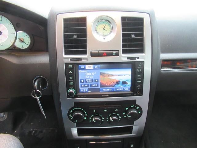 Chrysler 300 2010 price $10,900