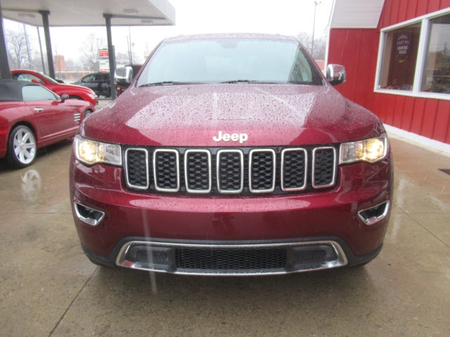 Jeep Grand Cherokee 2017 price $26,800