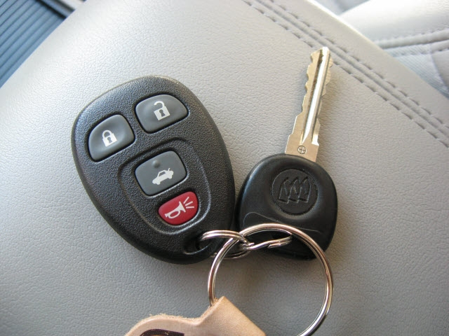 Buick Lucerne 2009 price $9,995